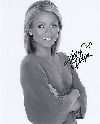 Kelly Ripa Signed Original Autographed 8X10 Photo Coa