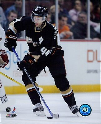 Niedermayer Ducks (Rob Niedermayer Anaheim Ducks Licensed NHL Unsigned Glossy 8x10 Photo)