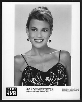 VANNA WHITE TELEVISION PERSONALITY AND ACTRESS 8X10 PUBLICITY PHOTO BT131