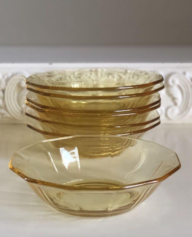 Vintage Set of 7 Fostoria Fairfax Topaz Yellow Fruit Dessert Bowls