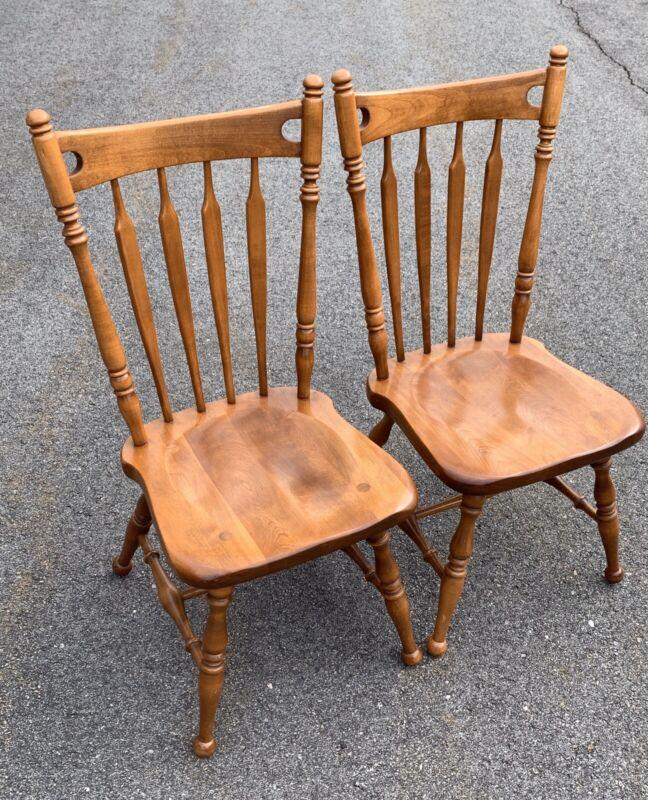 2 Ethan Allen Heirloom Arrow Back & Comb Chairs Nutmeg Maple EUC