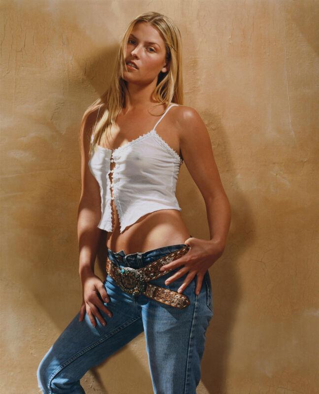 Ali Larter Posing In Jeans 8x10 Picture Celebrity Print