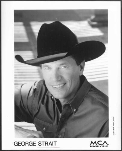 ~ George Strait Original 1995 MCA Records Promo Press Photo Country Music