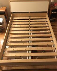 Base de lit double à vendre en bois