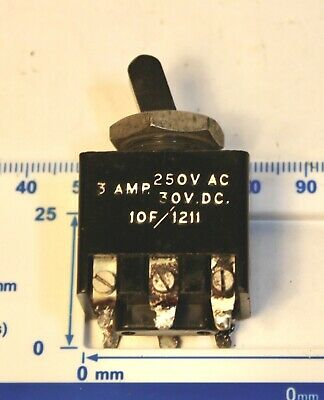 WW2 Royal Air Force Switch -  Air Ministry ref  10F / 1211 DPDT - 250 V DC 3 Amp comprar usado  Enviando para Brazil