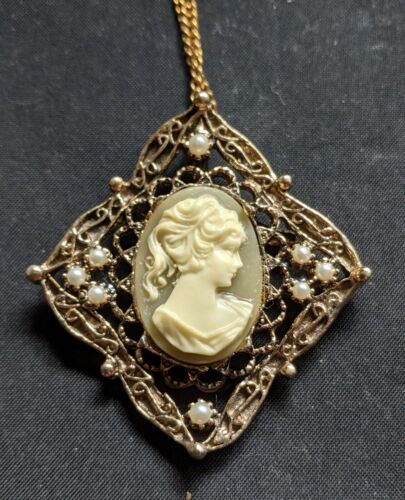 Vintage Square Lady Head Cameo Pin Necklace Pendant Elegant and Neat