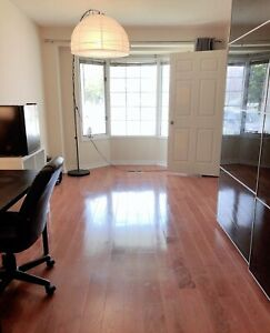 LIVE AND STUDY NEAR BIG ROOM NEAR UTSC AND CENTENNIAL