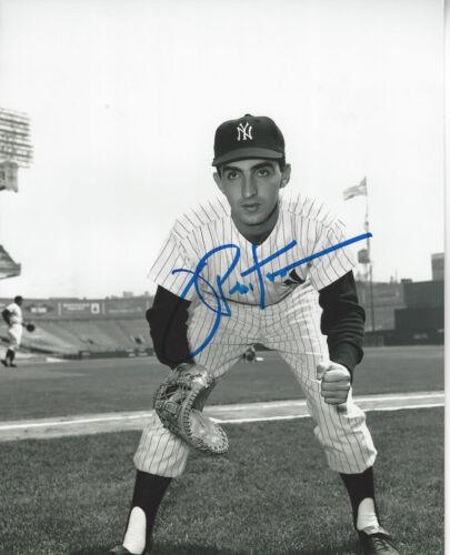 NY Yankees Joe Pepitone autographed 8x10 vintage   fielding photo