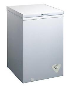Midea Whs 129C1 Single Door Chest Freezer 3.5 Cubic Feet Whi