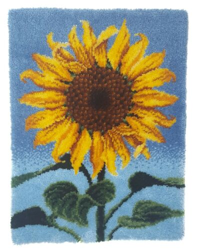 Finished Latch Hook Rug Wall Hanging Sunflower 30x40 in Farmhouse Cottage Garden