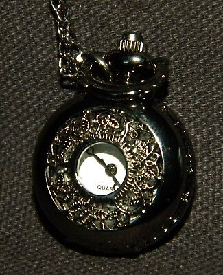 Watch pendant small round antique gray/smoke color leaves