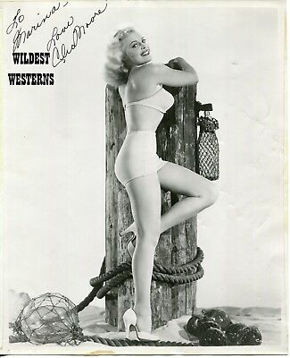 CLEO MOORE Signed AUTOGRAPH VINTAGE Original Photo SEXY Cheesecake swimsuit legs