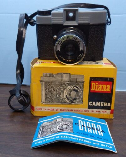 Diana Camera in Original Box with Instructions    Excellent Preowned Condition