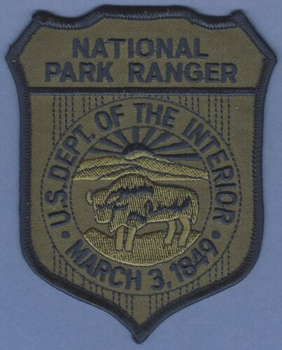 UNITED STATES DEPARTMENT OF THE INTERIOR NATIONAL PARK RANGER PATCH GREEN