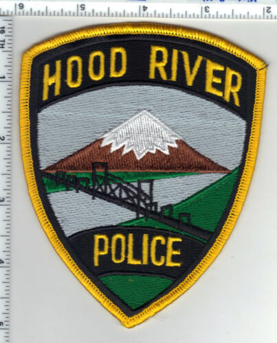 Hood River Police (Oregon) Shoulder Patch - new from the 1980