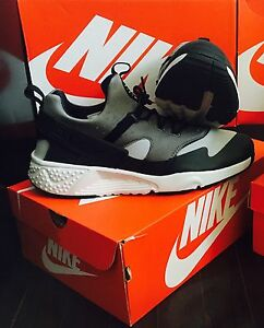 Nike Huraches Brand New!