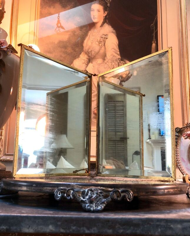 ANTIQUE  VICTORIAN TRI FOLD BEVELED GLASS VANITY MIRROR ANGELS