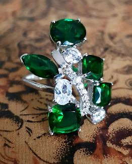 Created Emerald & White CZ Ring, size 7 1/2 US, Sterling Silver ♡
