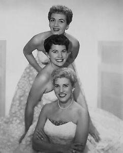 THE ANDREW SISTERS 8x10 PHOTO