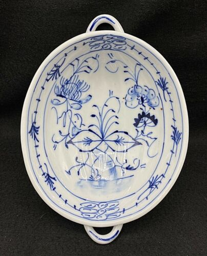 """Antique Delft Porcelain Blue Onion Ribbed Oval Bowl with Handles 8.25"""" x 6"""""""