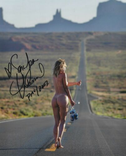 SARA UNDERWOOD 2007 PLAYBOY PLAYMATE OF THE YEAR SEXY SIGNED PHOTO  (IN14)