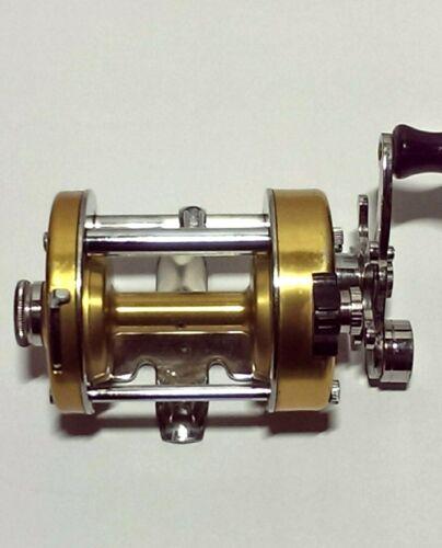 Vintage Penn 930 Levelmatic RH Bait Casting Reel EXC!