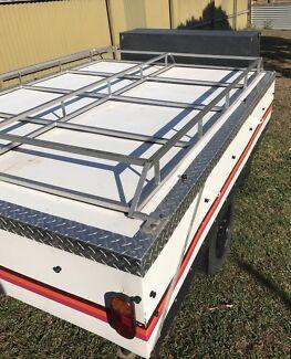 Hard floor cub camper trailer