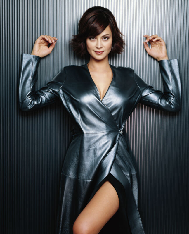 Catherine Bell Beautiful Long Dress 8x10 Picture Celebrity Print