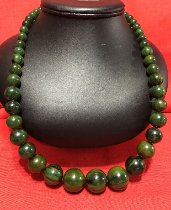 "Vintage Rare Marbled Green Round Graduated Bead Bakelite Necklace 24"" 73.6g"