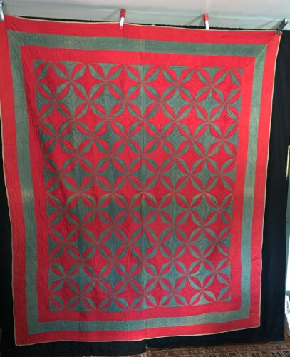 """Antique Hand Pieced Wedding Ring Quilt Hand Quilting Overall 78"""" x 67"""""""