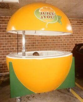 Orange juice kiosk for rent or sale ( $ 290 a week )