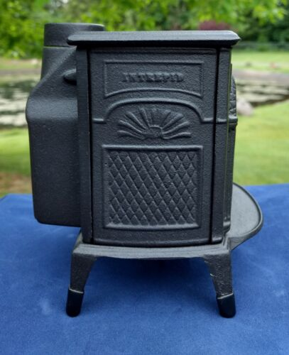 Vermont Castings Coin Savings Bank Intrepid Cast Iron Stove Vintage Miniature