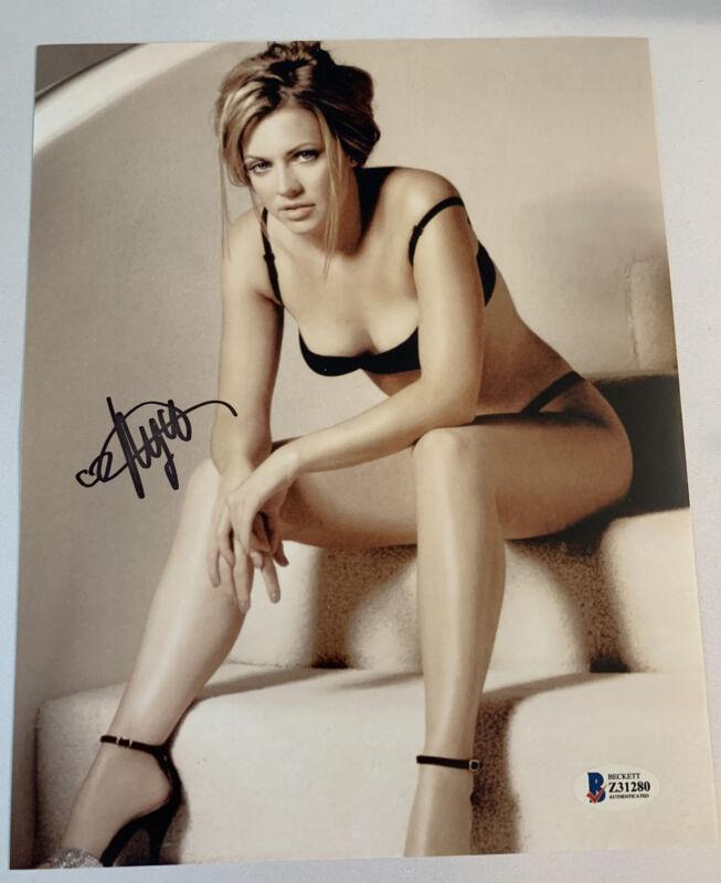 Melissa Joan Hart Signed 8x10 Auto Autograph Beckett BAS COA Sabrina