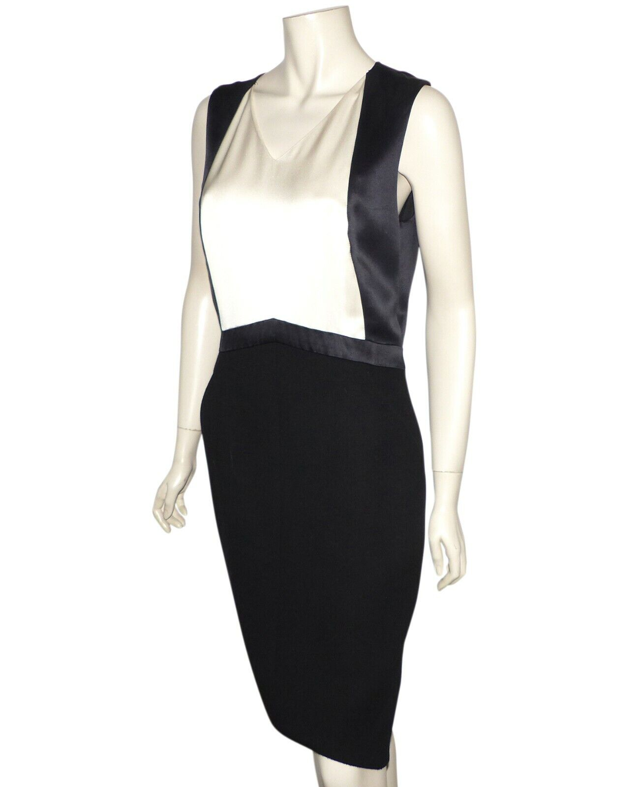 Chanel - robe en laine noire et soie ivoire - chanel's dress