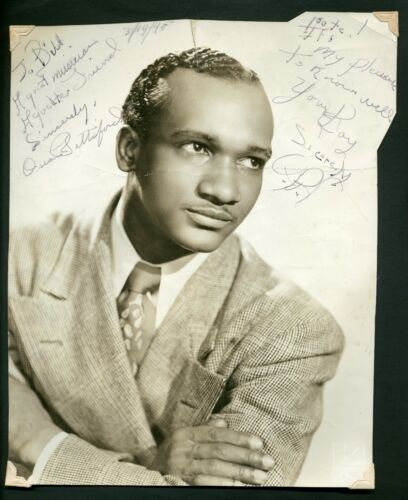 Oscar Pettiford (1922-1960) - Jazz double bassist - Photo signed to Bill Coleman