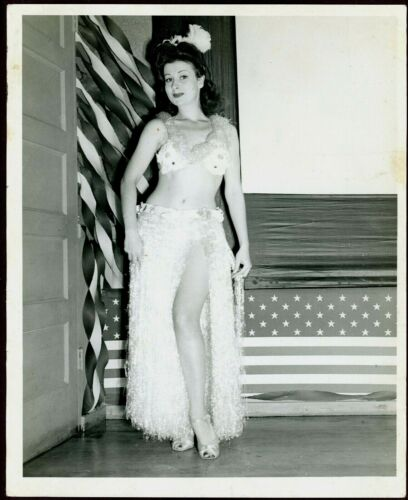 """Vintage WWII Sexy Hula Dancer Real Photo, 8 1/4"""" x 10"""" Clear, Nice Cond"""