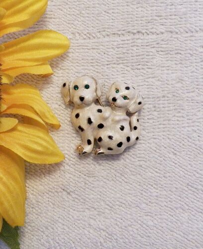 PIN BROOCH HAPPY DOGS DALMATIAN POODLE PUPPY PET CANINE FRIENDS BARK BOW WOW DS6