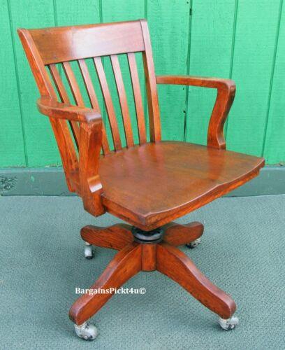 Antique Oak Swivel Gunlocke Style Lawyer Banker Armed Swivel Office Chair