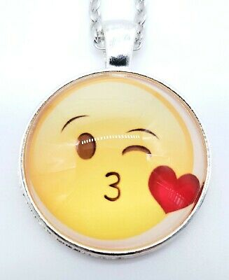 "NEW Women's Girls' Cabochon Glass Kiss Face Emoji Pendant 10"" Chain Necklace"