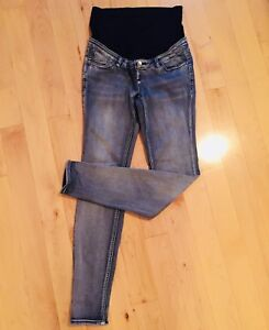 Maternity jeans small (6-8)