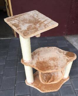 Cat scratching pole stand   Very good condition.   2 platforms Kewdale Belmont Area Preview