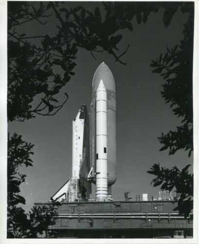 1982 original press photo of space shuttle Columbia on way to launch pad