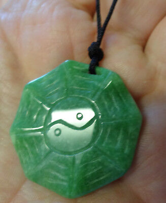 Vintage Fashion Chinese Grade A Apple Green Jade Hand Carved Pendant Necklace