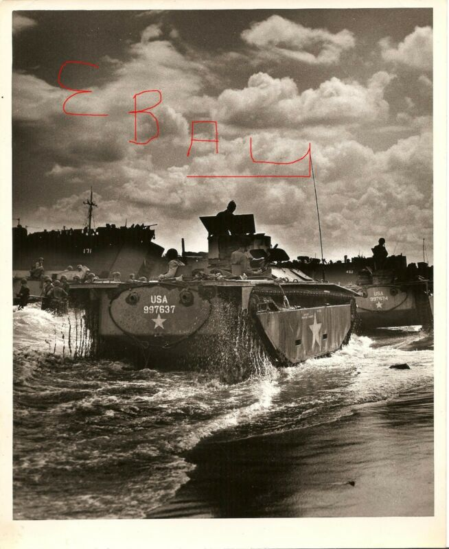 WWII HUGE 11x14 PHOTO US MARINES ALLIGATOR TANKS ON SHORES OF LEYTE PHILIPPINES