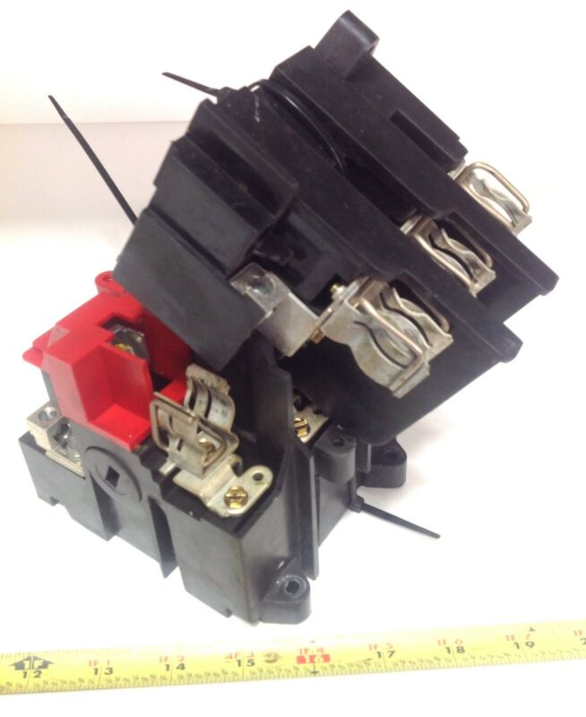 CUTLER HAMMER  DISCONNECT SWITCH FUSE HOLDER 17-16921 *PZB*
