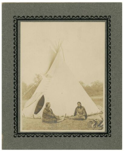 Teepe 19th C Cabinet Photo of Two Native American Women