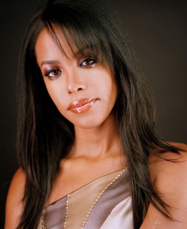 Aaliyah 8x10 Photo #3