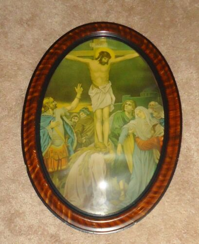 Antique Convex Bubble Oval Tiger Maple Framed JESUS ON CROSS Religious Picture