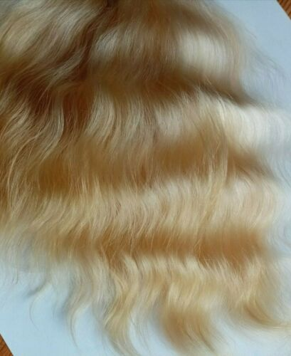 Premium Angora mohair. Natural Golden blonde. Straight 7/8 Inches. 15grams