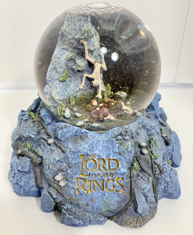 Lord of The Rings Snow Globe, Gollum, Frodo and Sam Made By NECA 2002